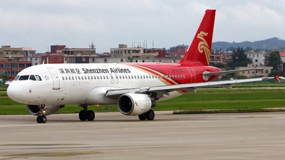 B-6359 - Airbus A320-214 - Shenzhen Airlines