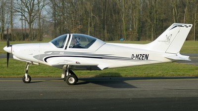 D-MZEN - Alpi Pioneer 300 - Private