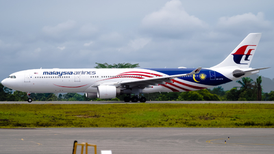 A picture of 9MMTM - Airbus A330323 - Malaysia Airlines - © kchavgeek96