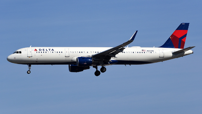A picture of N322DN - Airbus A321211 - Delta Air Lines - © Rocky Wang