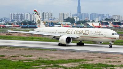 A6-ETQ - Boeing 777-3FXER - Etihad Airways