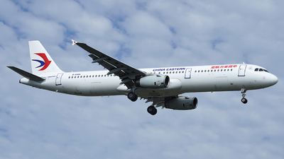 B-6886 - Airbus A321-231 - China Eastern Airlines