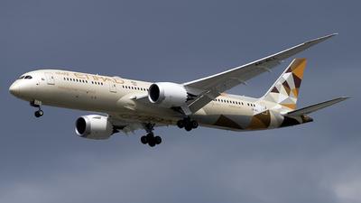 A picture of A6BLL - Boeing 7879 Dreamliner - Etihad Airways - © Mark Szemberski