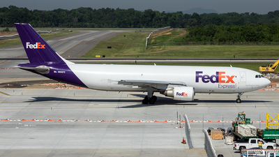 A picture of N682FE - Airbus A300F4605R - FedEx - © Yan777