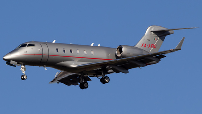 A picture of XAARO - Bombardier Challenger 300 - [20200] - © Centex Spotter
