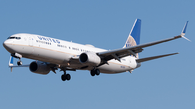 A picture of N67815 - Boeing 737924(ER) - United Airlines - © Andrew Wu
