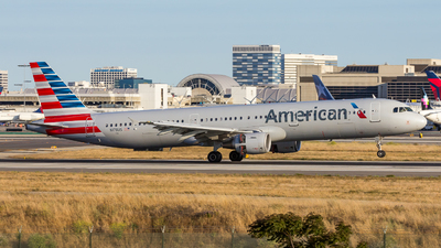 N178US - Airbus A321-211 - American Airlines