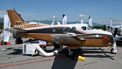 N190XT - Beechcraft C90A King Air - Private