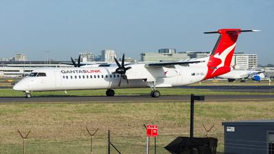 A picture of VHQOJ - De Havilland Canada Dash 8400 - Qantas - © John Zhao