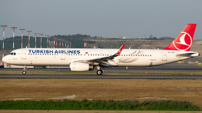 TC-JSY - Airbus A321-231 - Turkish Airlines