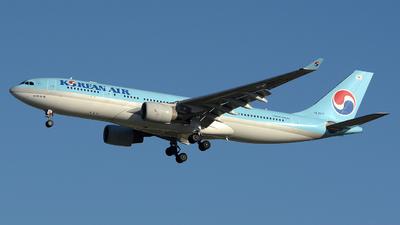 HL8211 - Airbus A330-223 - Korean Air