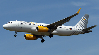 EC-MFK - Airbus A320-232 - Vueling Airlines