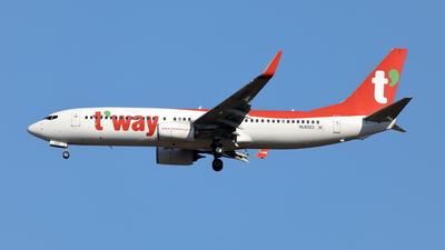 HL8323 - Boeing 737-8AS - T'Way Air