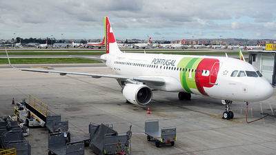 A picture of CSTMW - Airbus A320214 - TAP Air Portugal - © Cesar Prieto
