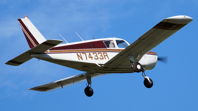 N7433R - Piper PA-28-140 Cherokee Cruiser - Private