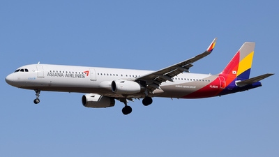 HL8039 - Airbus A321-231 - Asiana Airlines