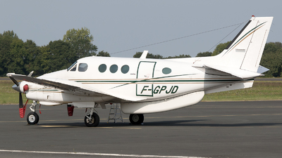 F-GPJD - Beechcraft E90 King Air - Private