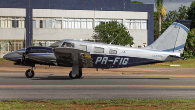 PR-FIG - Piper PA-34-220T Seneca V - Private