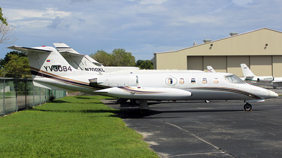 YV3084 - Gates Learjet 25B - Private