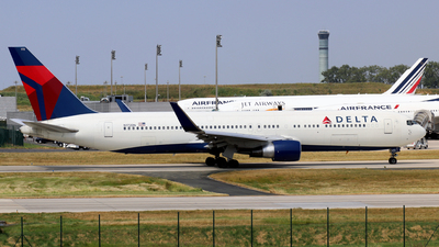 N172DN - Boeing 767-332(ER) - Delta Air Lines
