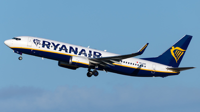 A picture of 9HQAE - Boeing 7378AS - Ryanair - © Jonathan Mifsud