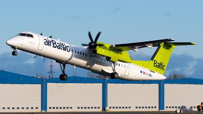 A picture of YLBBU - De Havilland Canada Dash 8400 - Air Baltic - © Jevgeni Ivanov