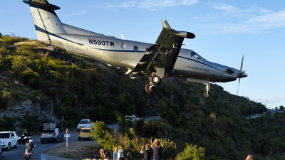 A picture of N590TW - Pilatus PC12/45 - Tradewind Aviation - © Mehrad Watson - AirTeamImages
