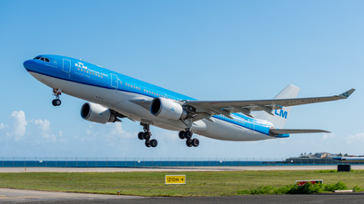 PH-AOM - Airbus A330-203 - KLM Royal Dutch Airlines