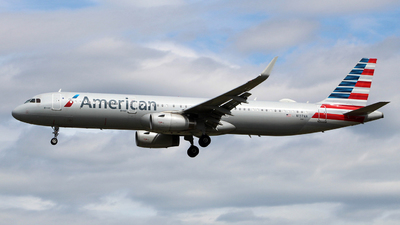 A picture of N137AA - Airbus A321231 - American Airlines - © wangruoyao
