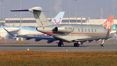 A picture of 9HVCD - Bombardier Challenger 350 - VistaJet - © Alberto Cucini