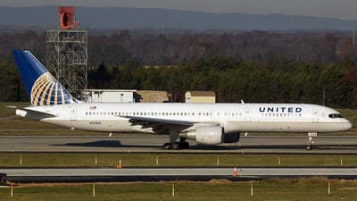 N521UA - Boeing 757-222 - United Airlines
