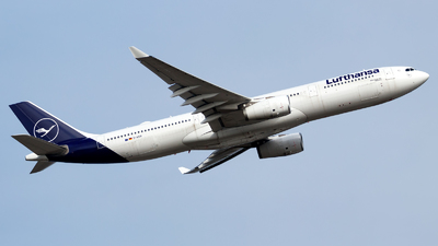 A picture of DAIKR - Airbus A330343 - Lufthansa - © Oliver Richter