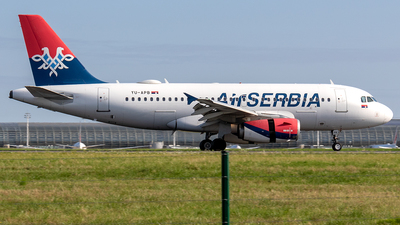 A picture of YUAPB - Airbus A319132 - AirSERBIA - © Sotos