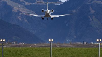 LSZC - Airport - Runway