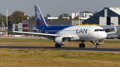 D-AXAI - Airbus A320-214 - LAN Airlines