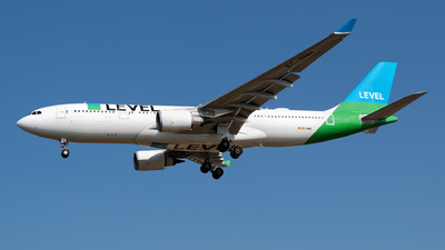 EC-NNH - Airbus A330-202 - Level (Iberia)