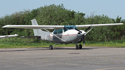 OY-GFL - Cessna TR182 Turbo Skylane RG - Private