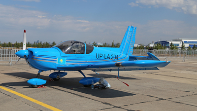 UP-LA204 - Zlin Z-242L - Private