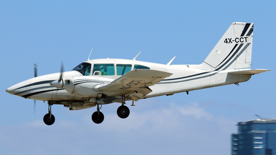 4X-CCT - Piper PA-23-250 Aztec E - Private