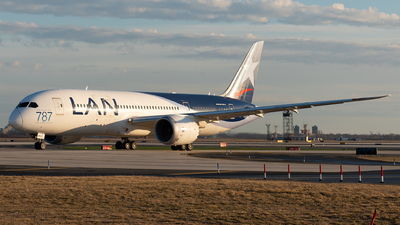 A picture of CCBBA - Boeing 7878 Dreamliner - LATAM Airlines - © Luis Bastardo