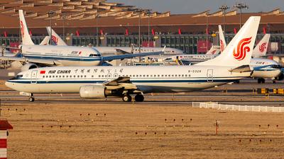 B-5326 - Boeing 737-86N - Air China