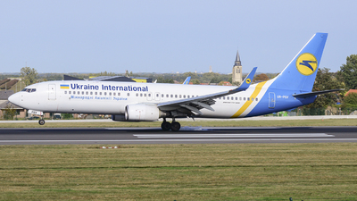 UR-PSV - Boeing 737-8AS - Ukraine International Airlines