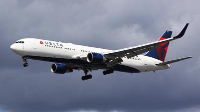 N176DN - Boeing 767-332(ER) - Delta Air Lines