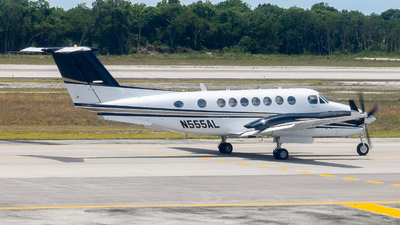 N555AL - Beechcraft B300 King Air 350 - Private