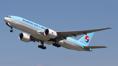 A picture of HL8075 - Boeing 777FEZ - Korean Air - © László Kurilla