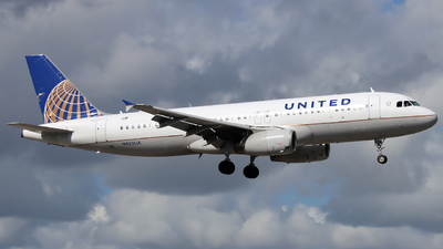 A picture of N462UA - Airbus A320232 - United Airlines - © Xiamen Air 849 Heavy