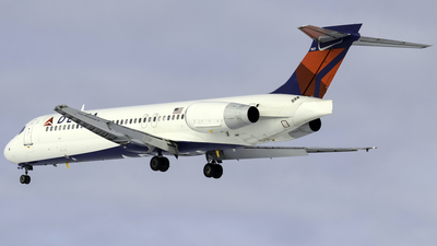 A picture of N989AT - Boeing 71723S - Delta Air Lines - © nicholastoto