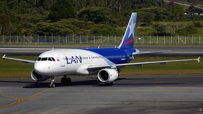 CC-BAQ - Airbus A320-214 - LAN Airlines
