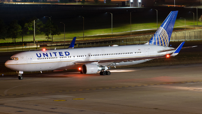 A picture of N655UA - Boeing 767322(ER) - United Airlines - © Positive Rate Photography