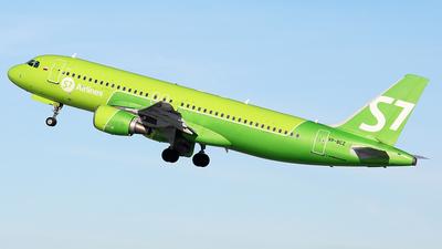 A picture of VPBCZ - Airbus A320214 - S7 Airlines - © BizavMen